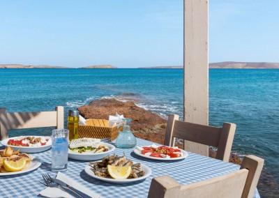 Veniamakis Stefanos/Shutterstock.com // Seele baumeln lassen in Griechenland